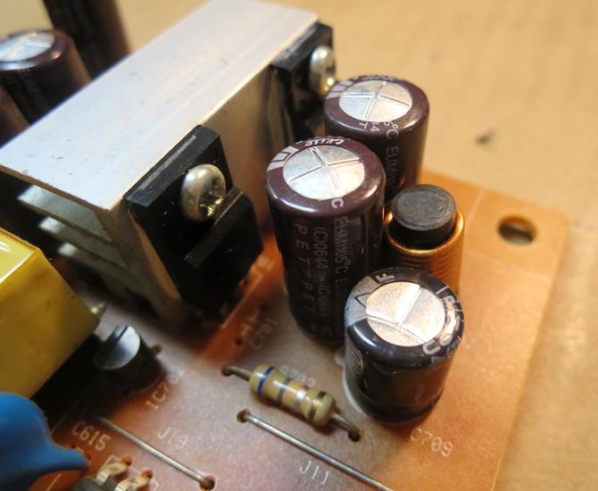 インフラ系女子、モニターを修理してみた。~修理編~